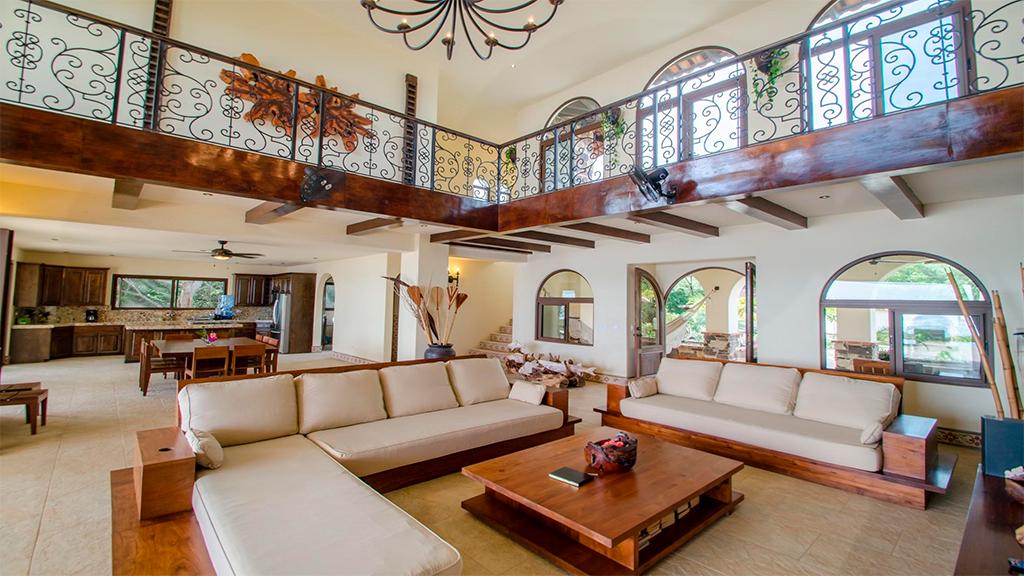 Nicaraguan Pacific down living room