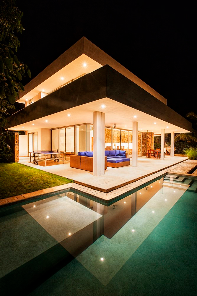Nicaraguan Pacific house in the night
