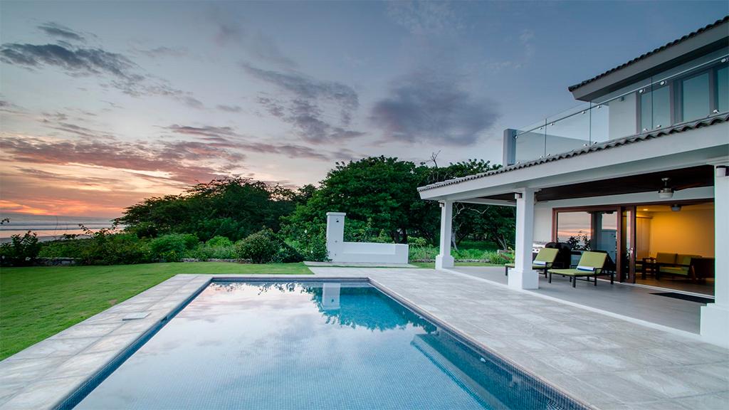 Nicaraguan Pacific swimming pool on back house