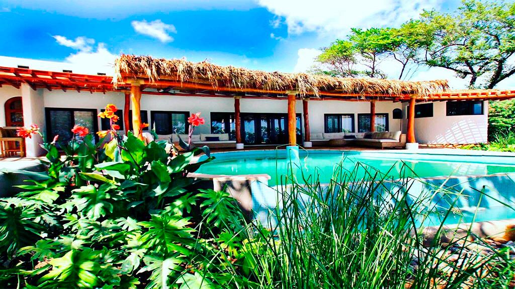 Nicaraguan Pacific swimming pool on yard
